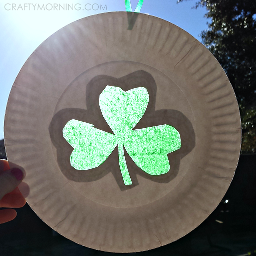 shamrock-sun-catcher-paper-plate-craft & Paper Plate Shamrock Sun Catcher for a St. Patricku0027s Day Craft ...