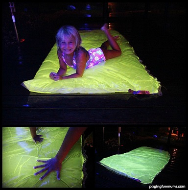 DIY-Glowing-Water-Blob-summer-activity