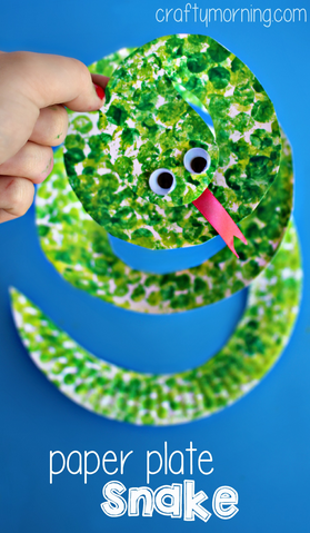 Paper plate snake craft using bubble wrap crafty morning for Reptile crafts for kids