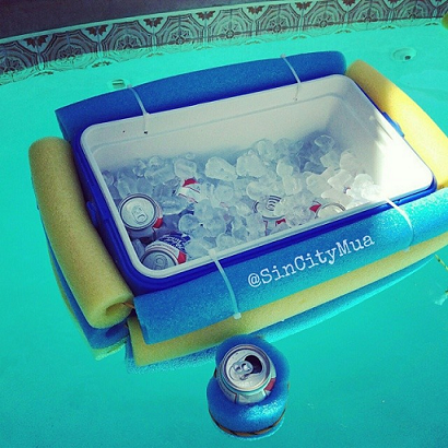 pool-noodle-cooler-for-the-pool