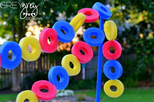 pool-noodle-garland-for-a-party