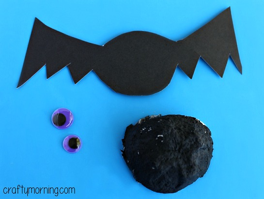 egg-carton-bat-craft-for-kids