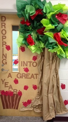 Fall door decoration ideas for the classroom crafty morning for Back to school classroom door decoration ideas