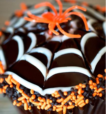 halloween-cupcake-spiderweb-idea