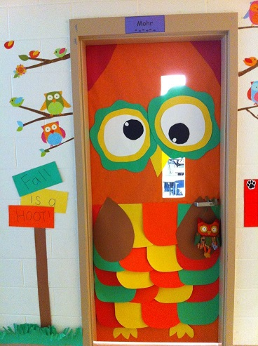 Fall door decoration ideas for the classroom crafty morning for Decoracion de puertas de carnaval