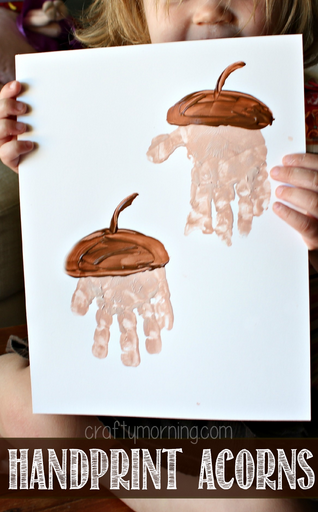 Hand print acorn craft | DIY Kids Crafts You Can Make In Under An Hour