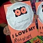 Paper Plate Mummy Craft for Halloween