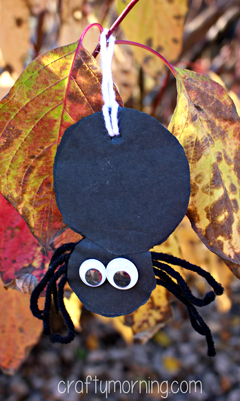 yarn-spider-halloween-craft-for-kids