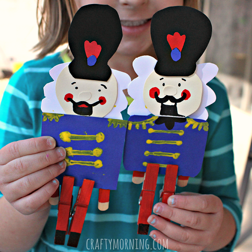 clothespins-nutcracker-christmas-craft-for-kids-