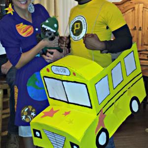Mrs. Frizzle & The Magic School Bus Couples Costume