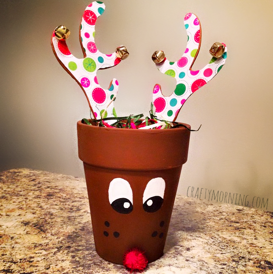 terra cotta reindeer pot craft for christmas