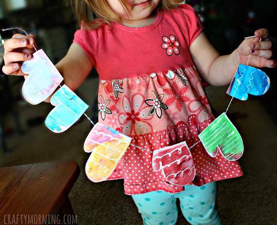 crayon-resist-mitten-garland-craft-for-kids
