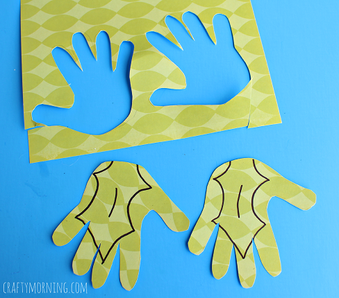 handprint-mistletoe-holly-craft