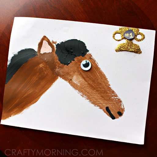 footprint-horse-craft-for-kids-to-make