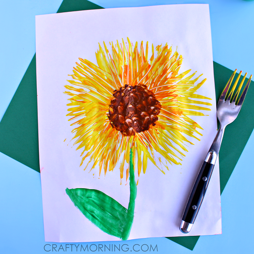 fork-print-sunflower-craft-for-kids