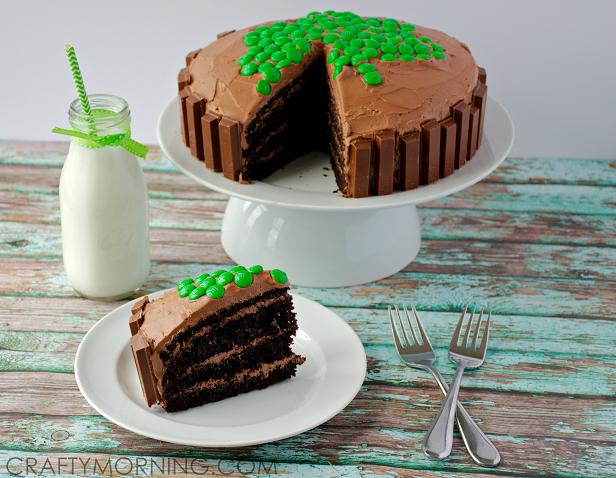 kit-kat-shamrock-st-pattys-cake