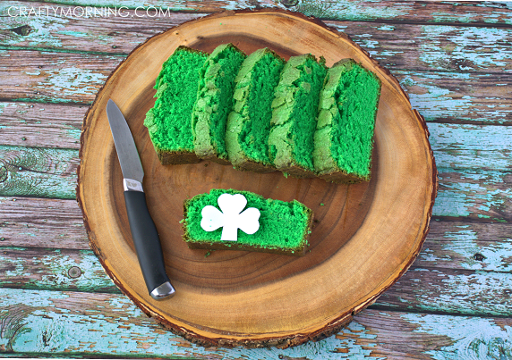 peek-a-boo-shamrock-pound-cake-recipe