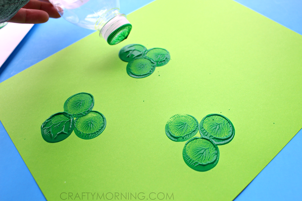 st-patricks-day-water-bottle-shamrock-craft