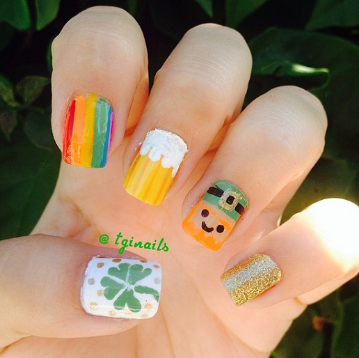 beer-gold-st-patricks-day-nail-idea