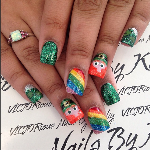 sparkle-leprechaun-rainbow-st-patricks-day-nails