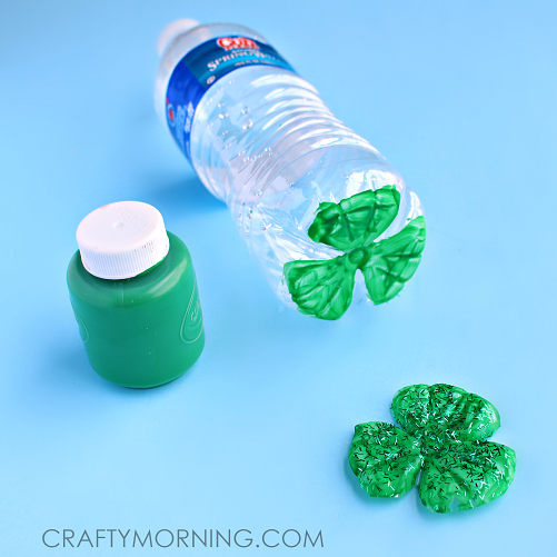 water-bottle-3-leaf-clover-craft-card