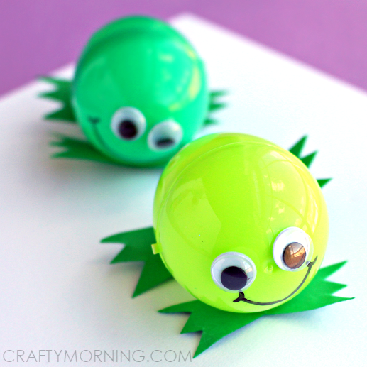 plastic-easter-egg-frog-craft-for-kids