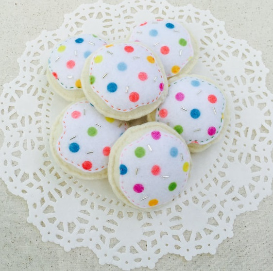 felt-sugar-cookies-kids-pretend-play