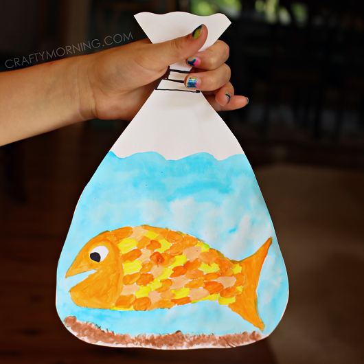 Goldfish in a bag painting kids craft crafty morning for Fish crafts for preschoolers