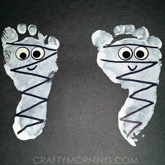 footprint-mummies-halloween-kids-craft
