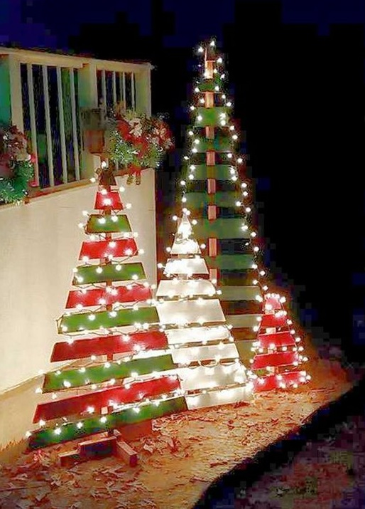 Most creative christmas decorations crafty morning for Christmas tree lights decorating ideas