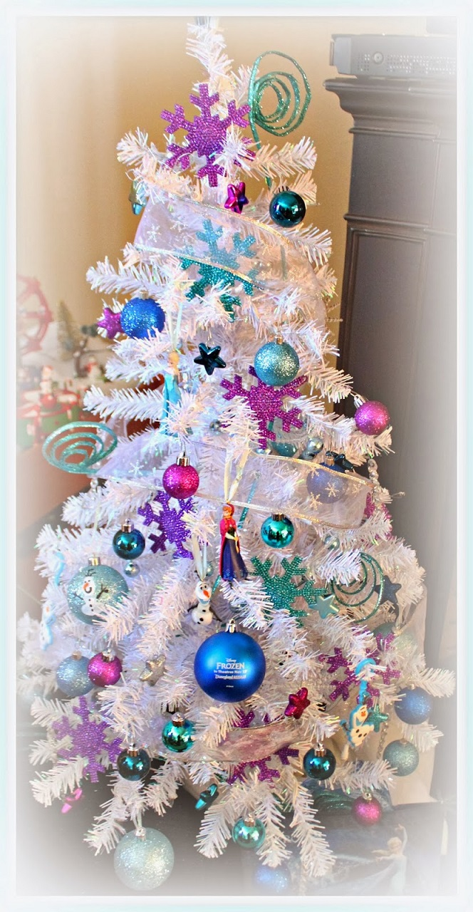 frozen white christmas tree decorating