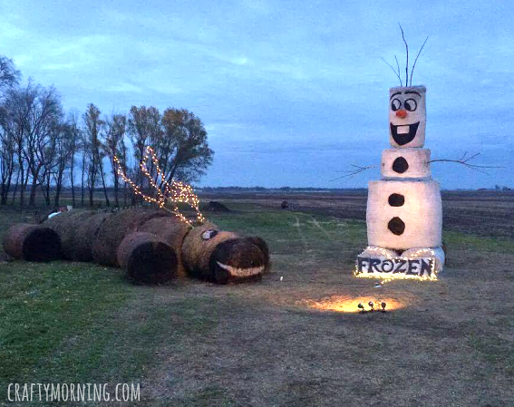 olaf-and-sven-hay-bale-christmas-decorations