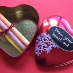 "Upcycled Chalk Tin ""Draw Your Heart Out"" Idea"