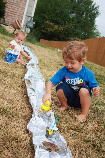 tin-foil-river-kids-summer-activity