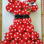 Minnie Mouse Pull-Apart Cupcake Cake