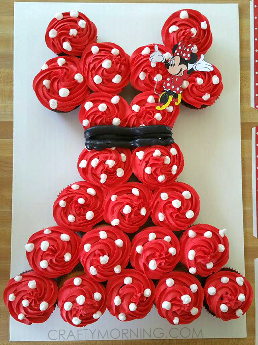 Cake Designs Made Out Of Cupcakes : Minnie Mouse Pull-Apart Cupcake Cake - Crafty Morning