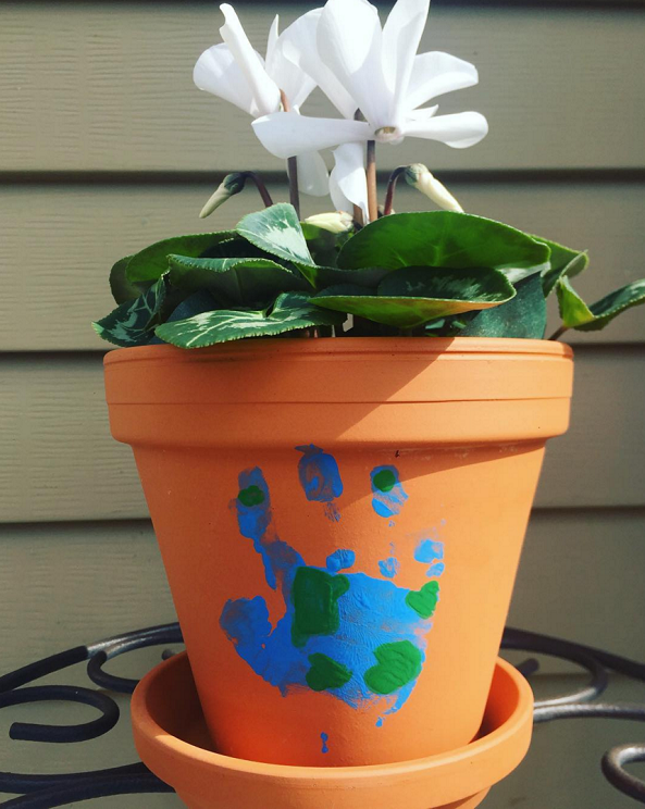earth-day-handprint-flower-pot-kids-craft