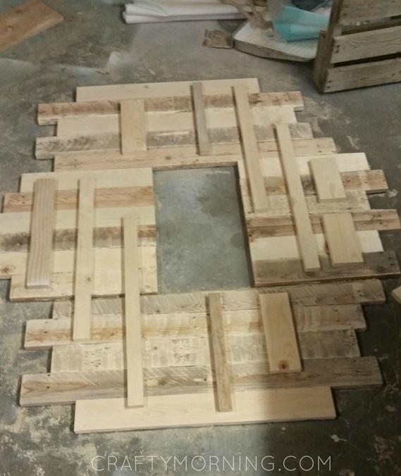 wood-pallet-accent-piece-behind-tv