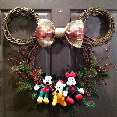minnie mouse christmas wreath - Homemade Mickey Mouse Christmas Decorations
