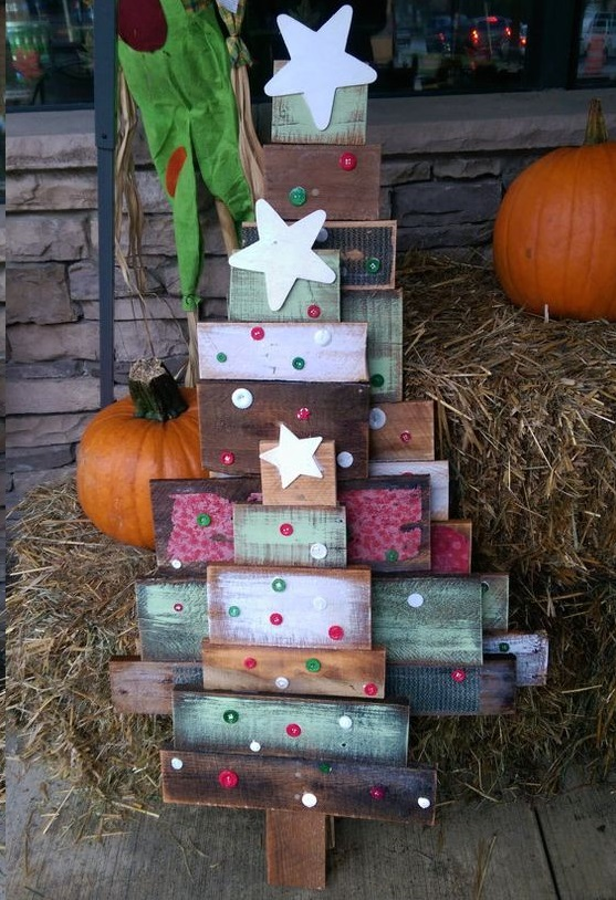 wood pallet reclaimed christmas tree decorations