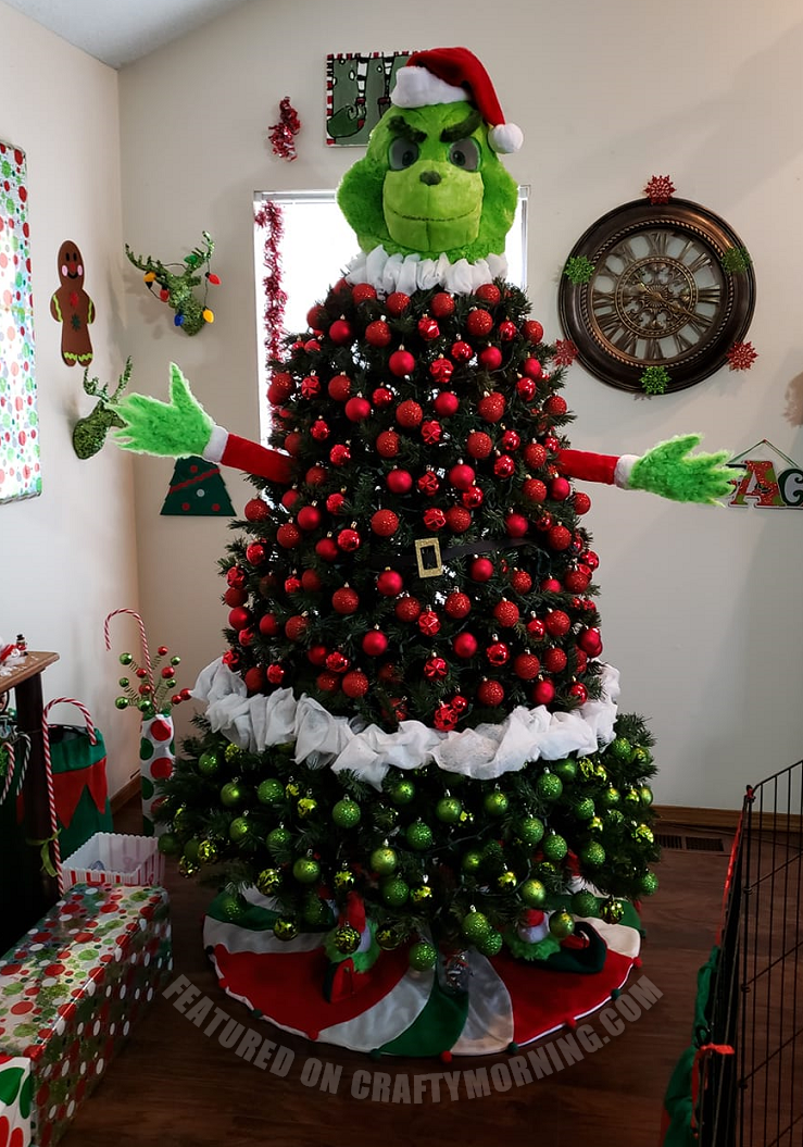 525414ef74d Found this cute Mickey Mouse Christmas tree on Pinterest with no  instructions but you can buy the shoes
