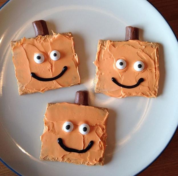 Graham Cracker Halloween Treats - Crafty Morning