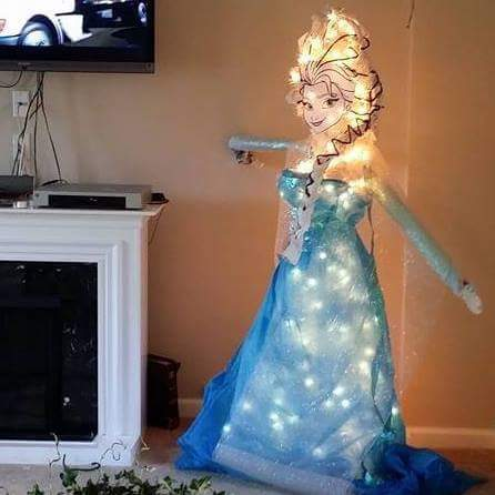 frozen elsa christmas tree - Awesome Christmas Trees