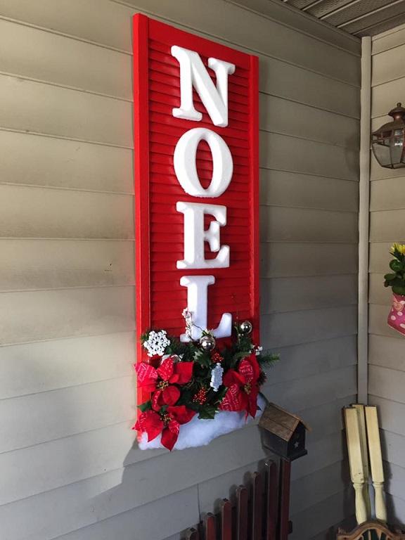 noel-shutter-christmas-decor