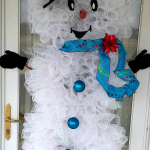 deco-mesh-snowman-door-wreath-christmas