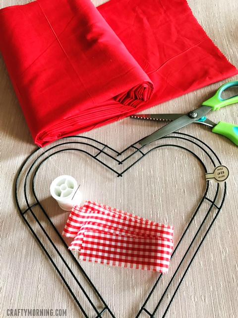 fabric-strip-valentine-heart-wreath-craft