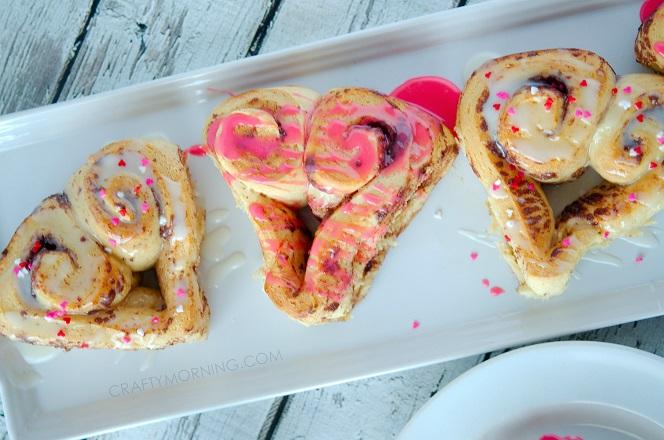 heart-shape-cinnamon-rolls-valentines-day