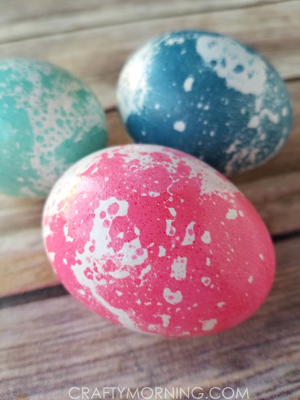 How To Marble Easter Eggs With Oil Crafty Morning