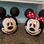 Mickey & Minnie Mouse Pumpkin Decorating
