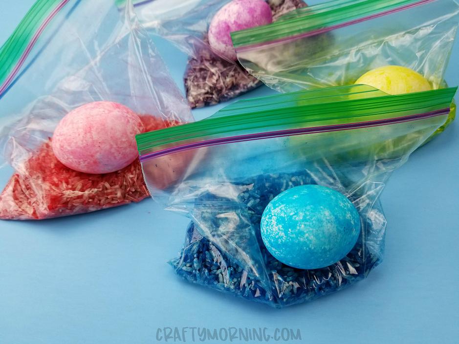 rice shake easter eggs  ziploc bags crafty morning